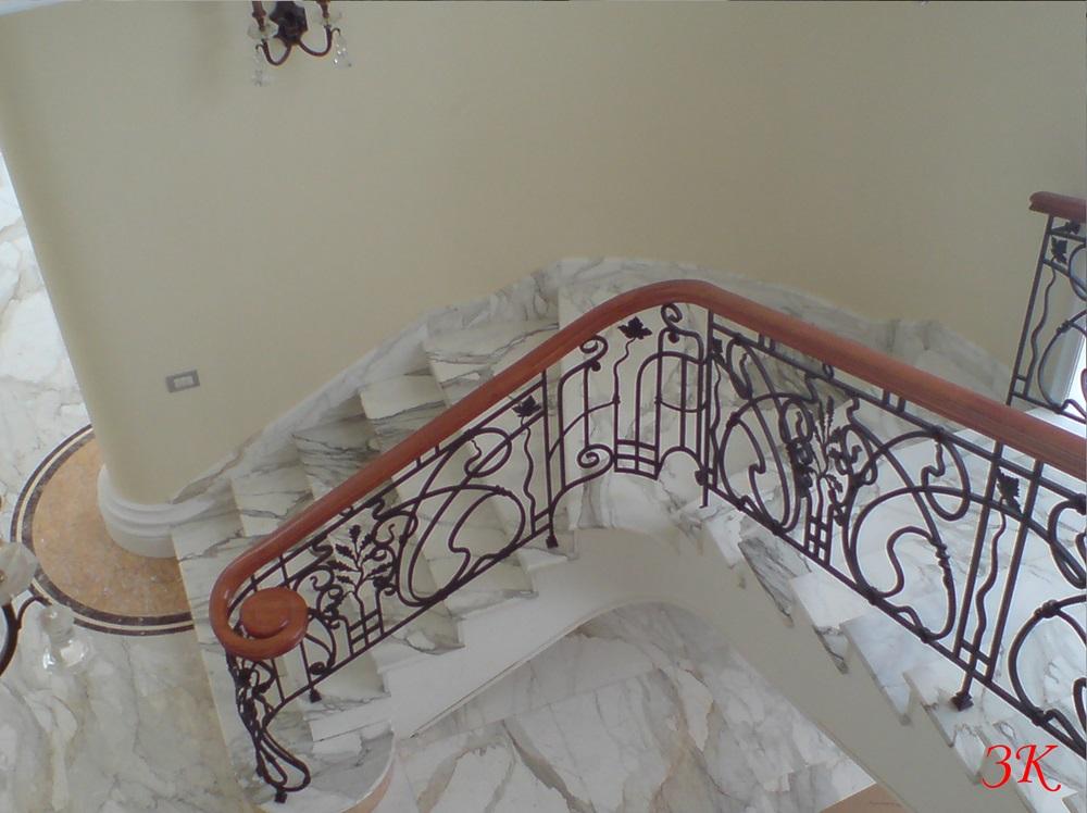 Облицовка лестниц гранитом